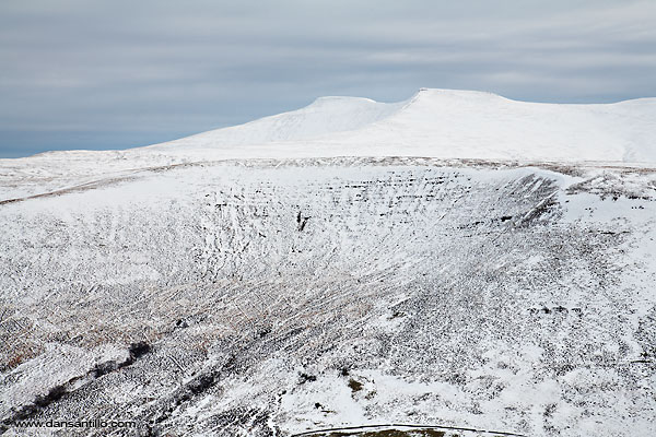 Pen y Fan from Craig Cerrig-gleisiad (Canon EOS 5D)