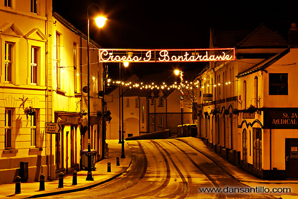 Pontardawe Christmas Lights in the Snow (Canon EOS 5D Mk II)