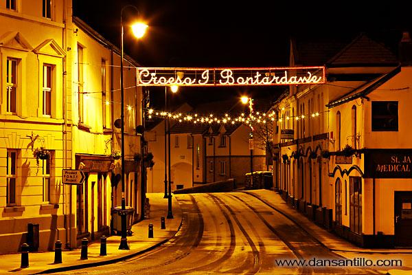 Pontardawe Christmas Lights in the Snow (Canon EOS 5D Mk II)