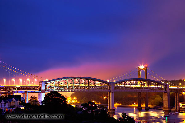 Brunel Bridge at Night (Canon EOS 5D Mark II)