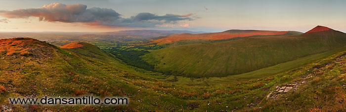 Cwm Sere and Cribyn from Cefn Cwm Llwch, Brecon Beacons